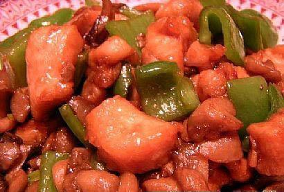 青椒炒肉丁的做法步骤_1