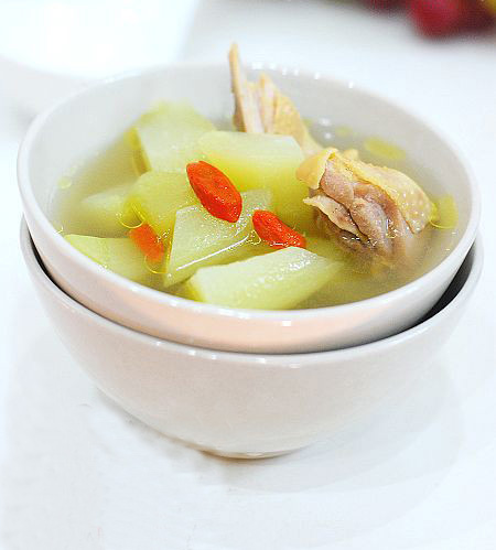 【佛手瓜枸杞炖土鸡】佛手瓜枸杞炖土鸡的做法大全