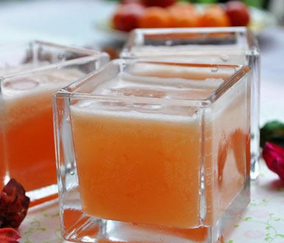 苹果血橙草莓汁的做法步骤_1