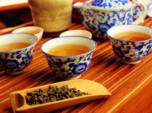 老年人喝浓茶有害健康吗_1