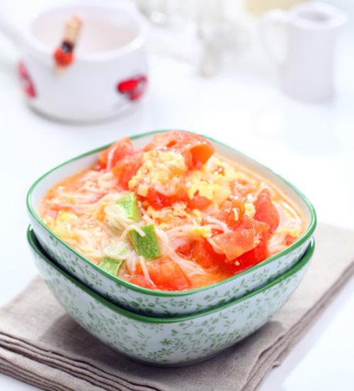 味道不一样的传统面食 西红柿鸡蛋热汤面_1