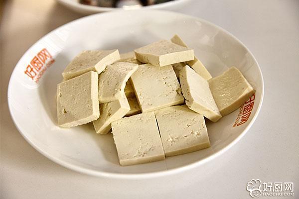 鲫鱼豆腐汤的做法步骤_2