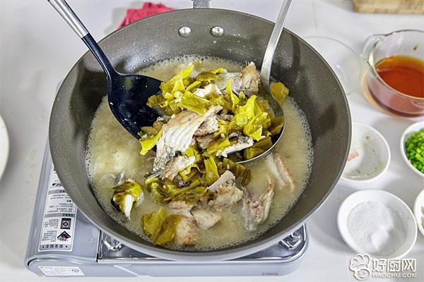 酸菜鱼的做法步骤_13