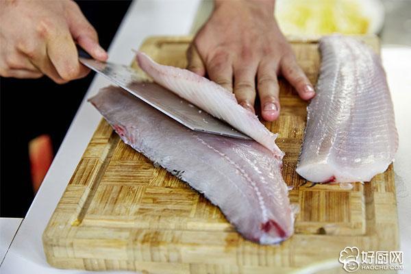 酸菜鱼的做法步骤_3