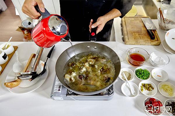 酸菜鱼的做法步骤_12