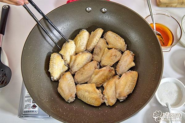 红烧鸡翅的做法步骤_4