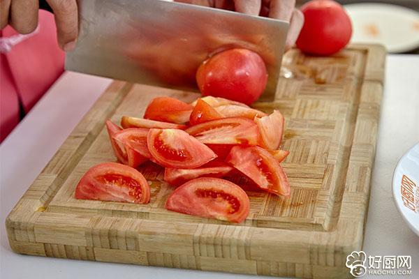 西红柿炒鸡蛋的做法步骤_2