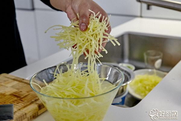 酸辣土豆丝的做法步骤_3