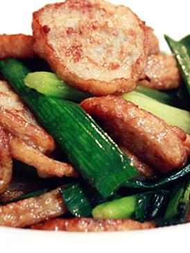 芹菜蒜苗爆炒肉卷