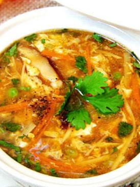 红白豆腐酸辣汤