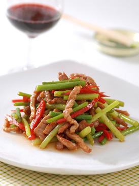 蒜苔炒牛柳