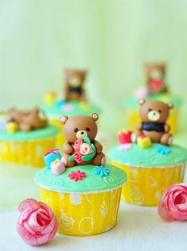 翻糖小熊纸杯蛋糕