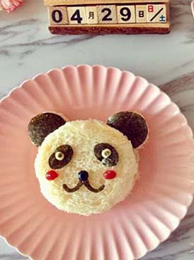 儿童早餐—熊猫牛油果鸡蛋三明治
