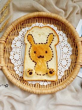 萌兔子烤吐司片