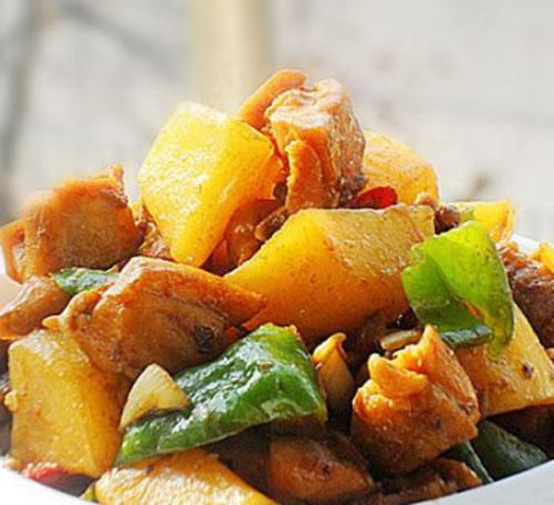 土豆烧鸡块