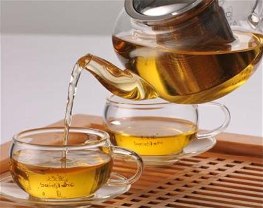 欧式茶具破碎图片
