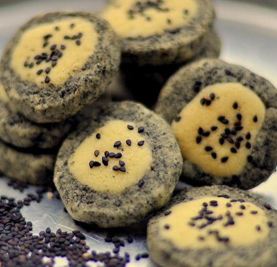 香柠黑芝麻蛋糕的做法大全_香柠黑芝麻蛋糕的家常做法怎么做好吃