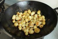 椒盐小土豆的做法步骤_2