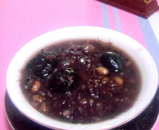 黑米八寶粥的做法大全_黑米八寶粥的家常做法怎么做好吃