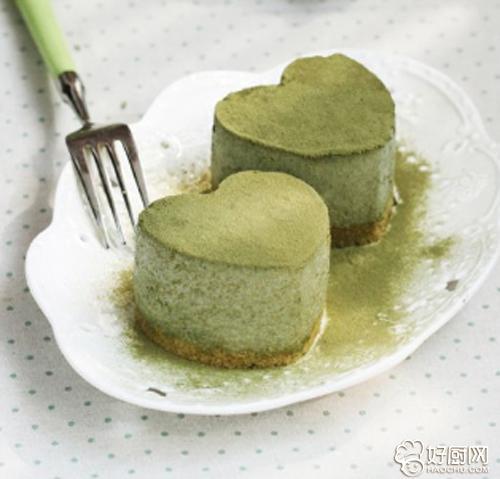 抹茶慕斯布丁蛋糕的做法_抹茶慕斯布丁蛋糕的家常做法大全怎么做好吃