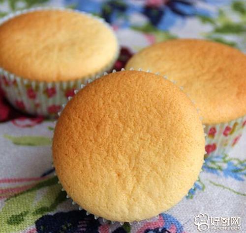 海绵杯子蛋糕的做法_海绵杯子蛋糕的家常做法大全怎么做好吃