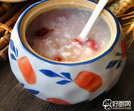 蔓越莓银耳粥的做法_蔓越莓银耳粥的家常做法大全怎么做好吃