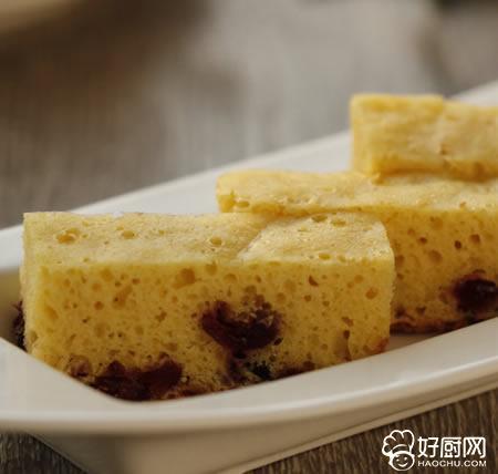 蔓越莓玉米面发糕的做法_蔓越莓玉米面发糕的家常做法大全怎么做好吃