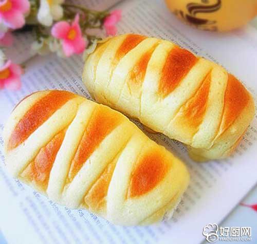 淡奶油面包的做法_淡奶油面包的家常做法大全怎么做好吃