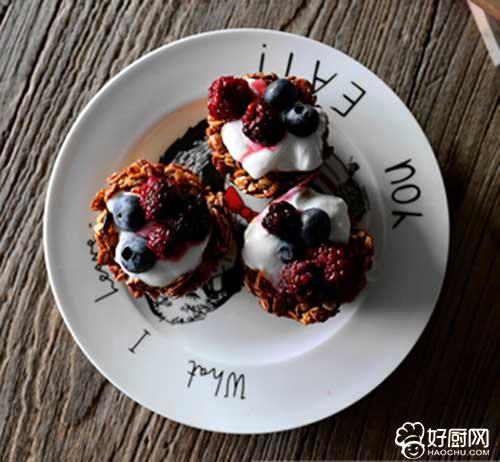 酸奶莓果燕麦杯的做法步骤_4