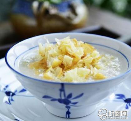鸡肉丝瓜油条粥的做法_鸡肉丝瓜油条粥的家常做法大全怎么做好吃