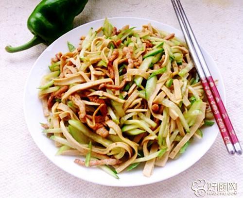 碧绿清香 黄瓜豆片炒肉丝_1