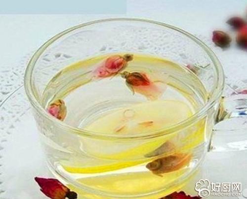 玫瑰花茶加蜂蜜_柠檬玫瑰花蜂蜜泡水的功效 _排行榜大全