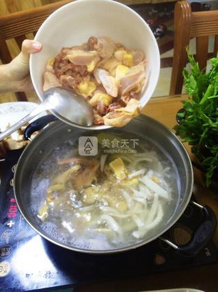 椰子鸡火锅的做法_7