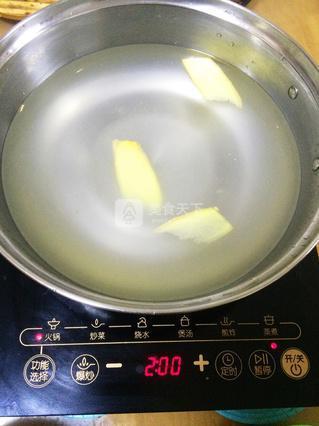椰子鸡火锅的做法_2