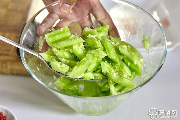 凉拌黄瓜的做法步骤_4