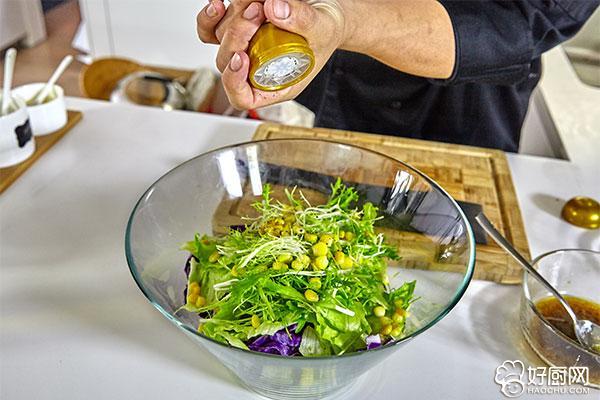 蔬菜沙拉的做法步骤_10