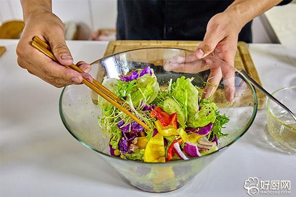 蔬菜沙拉的做法步骤_11