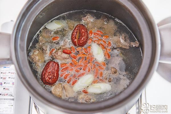 鸽子汤的做法步骤_5