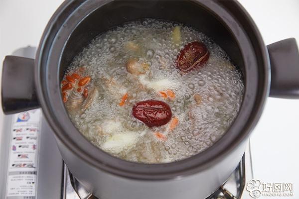 鸽子汤的做法步骤_6