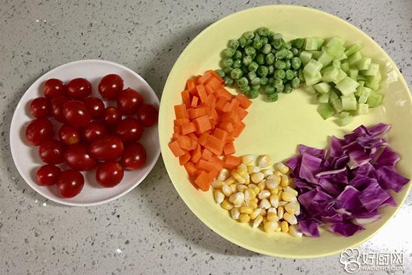 彩虹蔬菜馒头沙拉的做法步骤_7