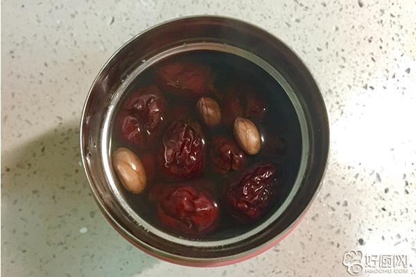 红枣花生甜汤的做法步骤_4