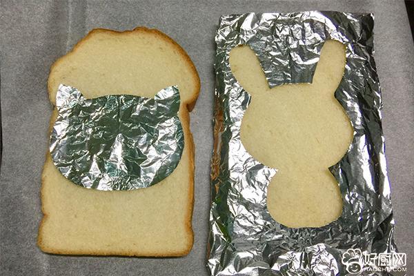 萌兔子烤吐司片的做法步骤_3