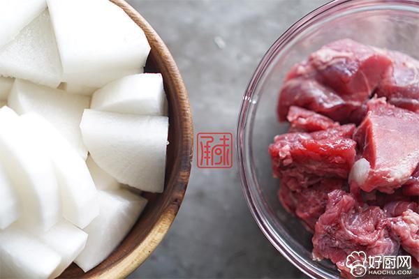 文火萝卜炖牛肉的做法步骤_4