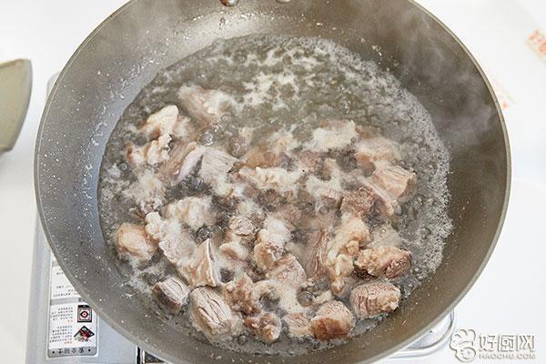 土豆烧牛肉的做法步骤_4