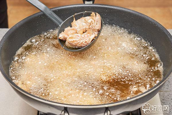 椒盐皮皮虾的做法步骤_3