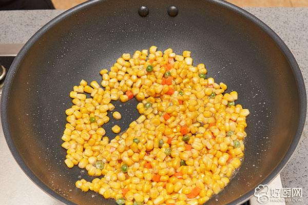 松仁玉米的做法步骤_8