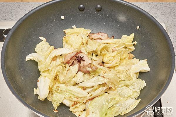 白菜炖豆腐的做法步骤_4