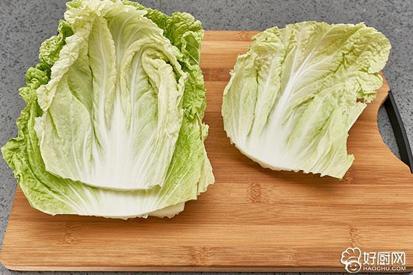 蒸白菜卷的做法步骤_2