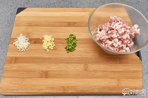 蒸白菜卷的做法步骤_3