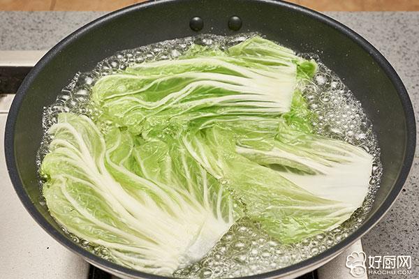 蒸白菜卷的做法步骤_5